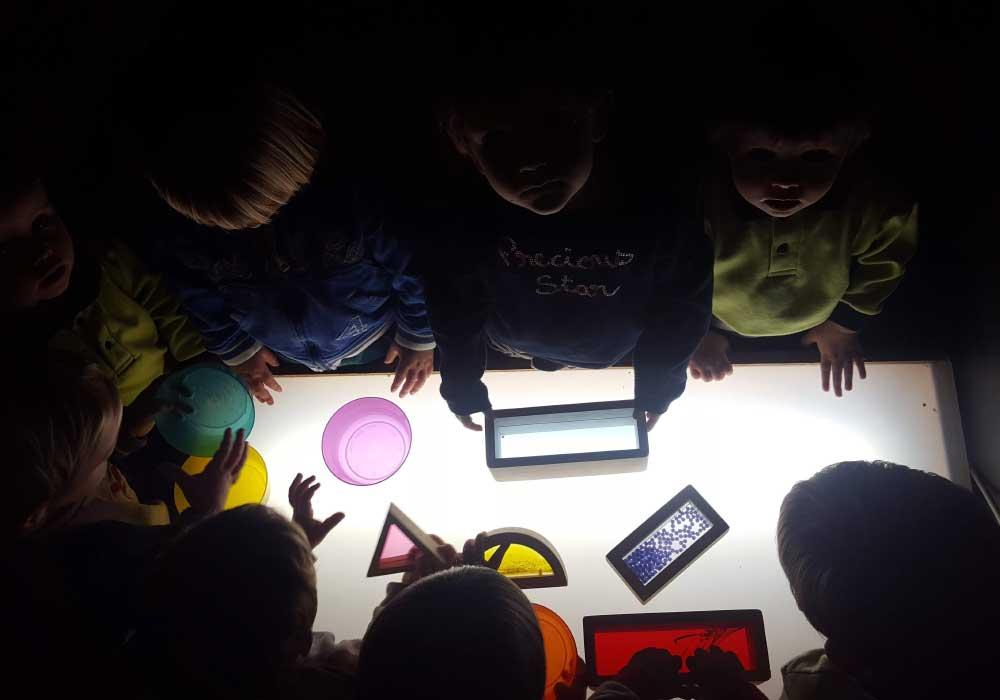 juegos en el centro infantil